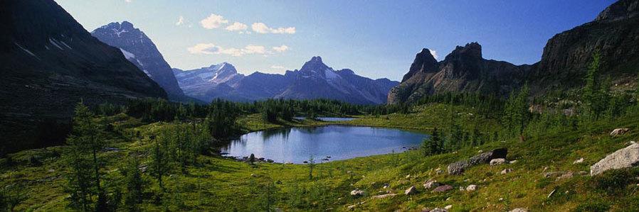 Boundless Journeys - Canadian Rockies Hiking Tour