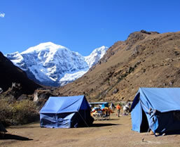 Bhutna Hiking and Trekking tours with Boundless Journeys